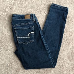American Eagle Skinny Super Stretch - Size 4 Short